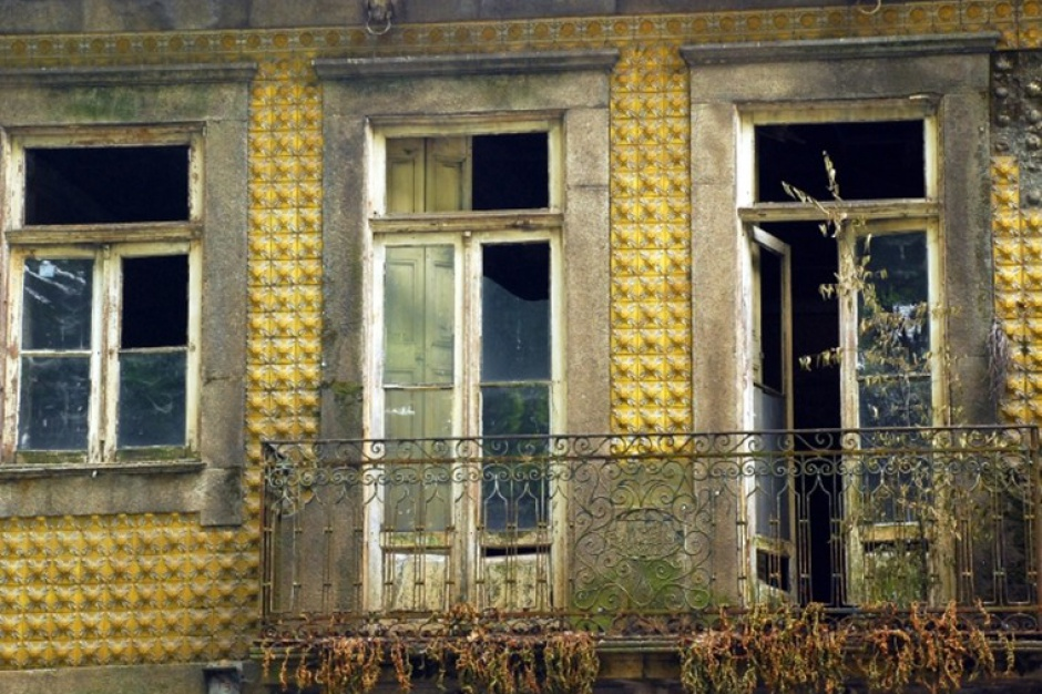 Dzika reprywatyzacja: Warszawa nie jest jedyna, gdzie dochodzi do przywłaszczenia mienia