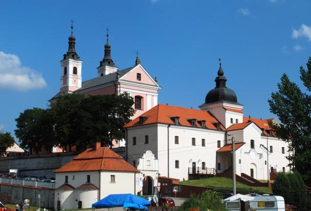 9,6 mln zł z UE na ratowanie pokamedulskiego klasztoru w Wigrach