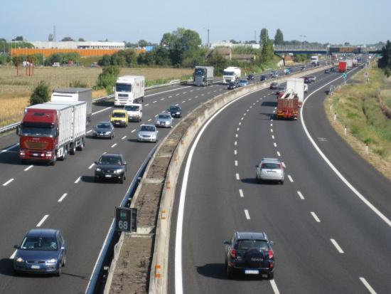 Pobór opłat drogowych, winiety: Polska chce wprowadzi system jak na Węgrzech?