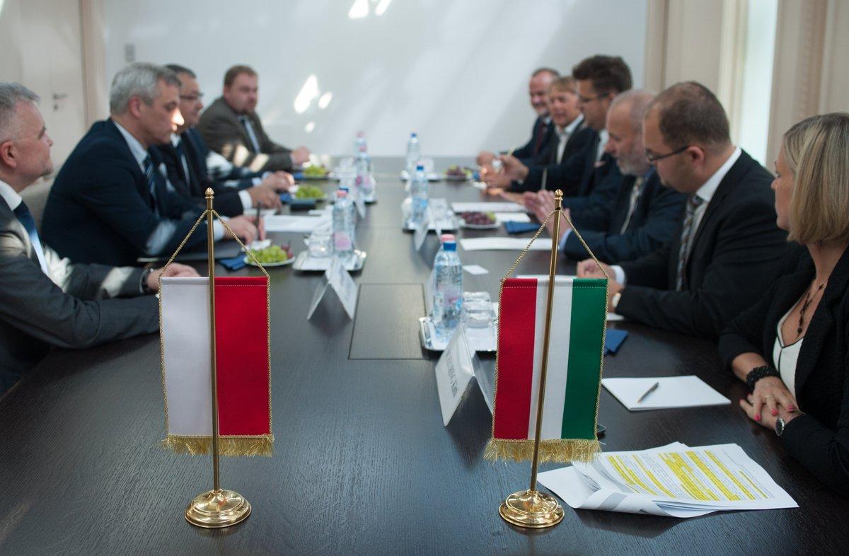 Pobór opłat drogowych był wiodącym tematem podczas spotkania w Budapeszcie (fot. Twitter)