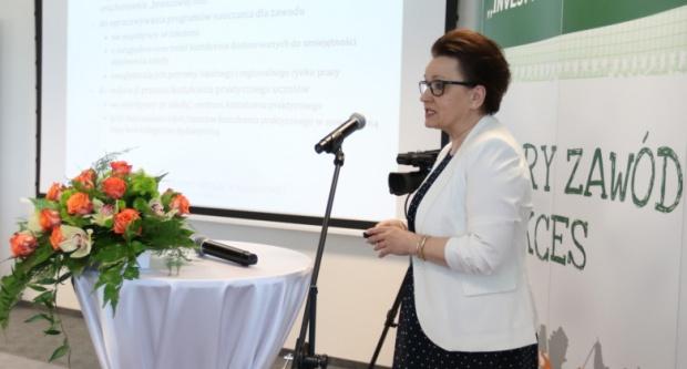 Anna Zalewska: MEN pracuje nad nowelą ustawy i podstawą programową