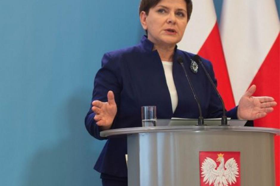 Premier: dyskredytująca próba ucieczki Gronkiewicz-Waltz od odpowiedzialności