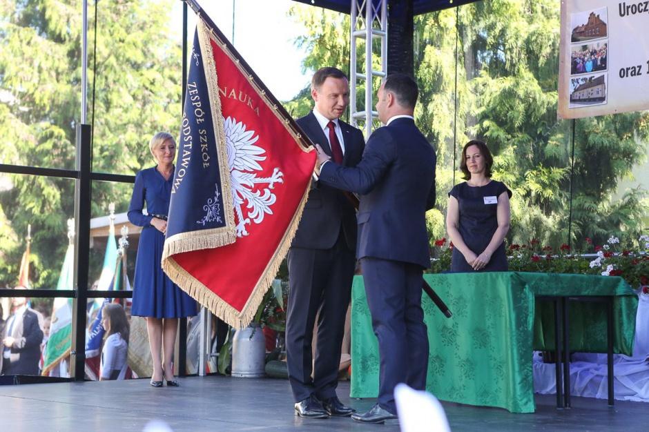 Kujawsko-Pomorskie, Dziewierzewo: Para prezydencka odwiedziła zespół szkół