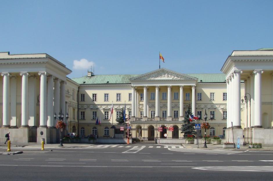 Warszawa, reprywatyzacja: Rozpoczęła się nadzwyczajna sesja Rady Warszawy