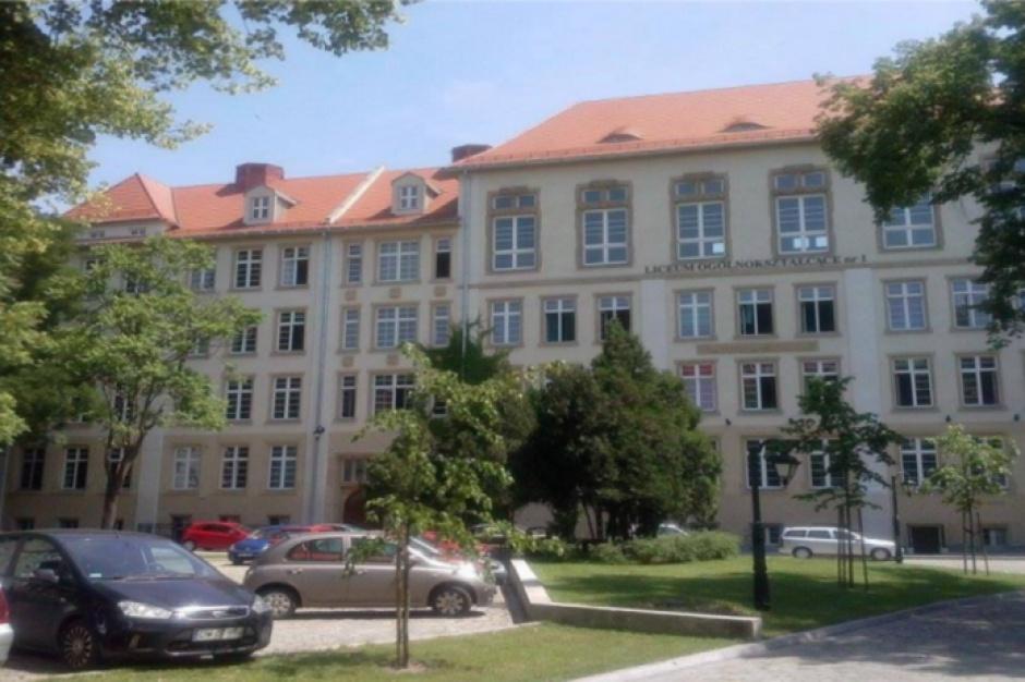 Wrocław: I LO nadano imię Danuty Siedzikówny ps. Inka