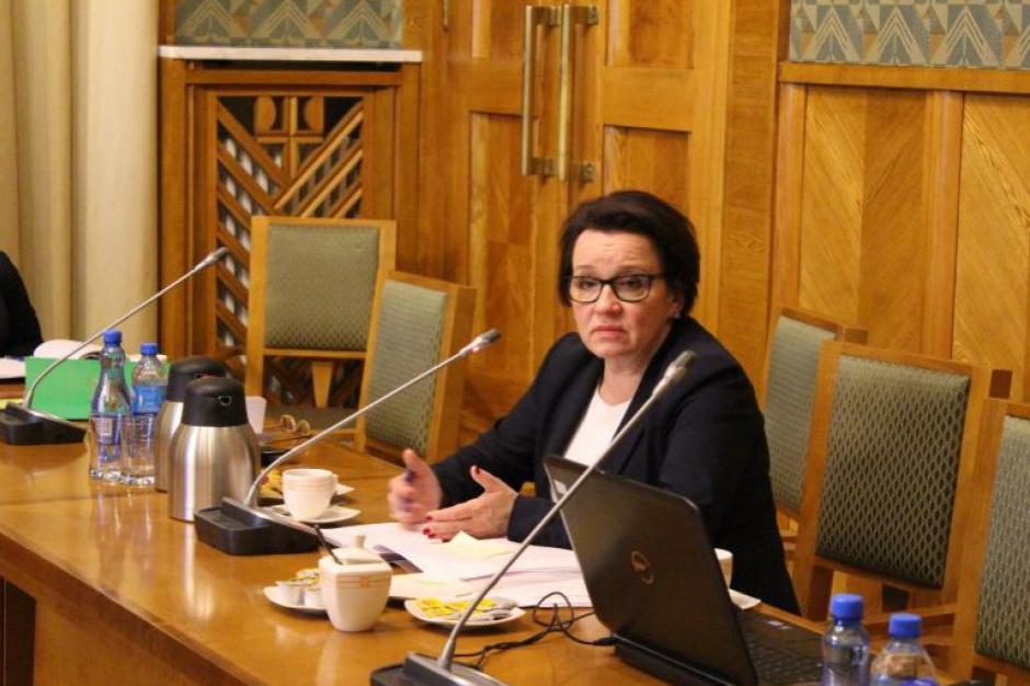 Odwołanie minister edukacji Anny Zalewskiej: PO przeprowadzi do 16 września konsultacje