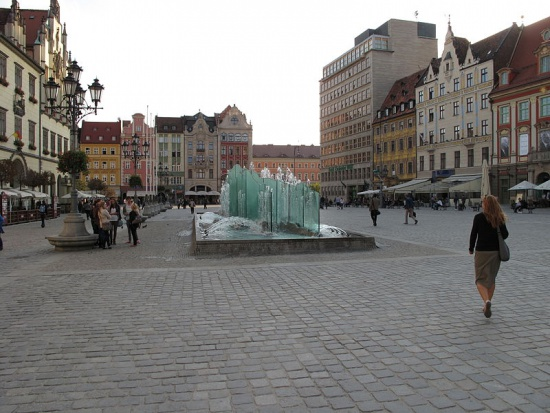 Ustawa dekomunizacyjna: ponad 100 ulic może zmienić nazwę w woj. dolnośląskim