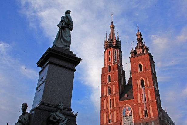 Kraków: będzie renowacja pomnika Mickiewicza na Rynku Głównym