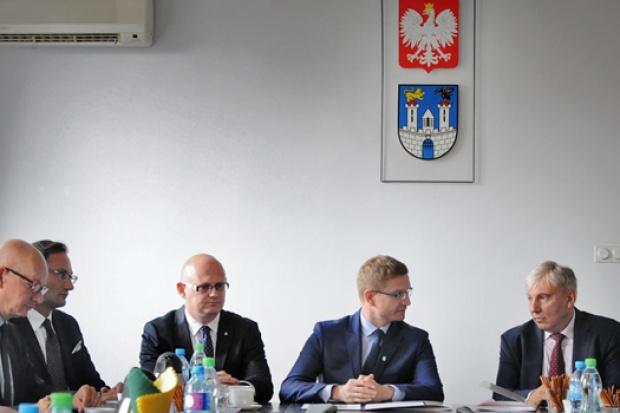 Szczegółowe zasady działania Programu zostaną przedstawione wraz z uruchomieniem pierwszej karty (foit.czestochowa.pl)