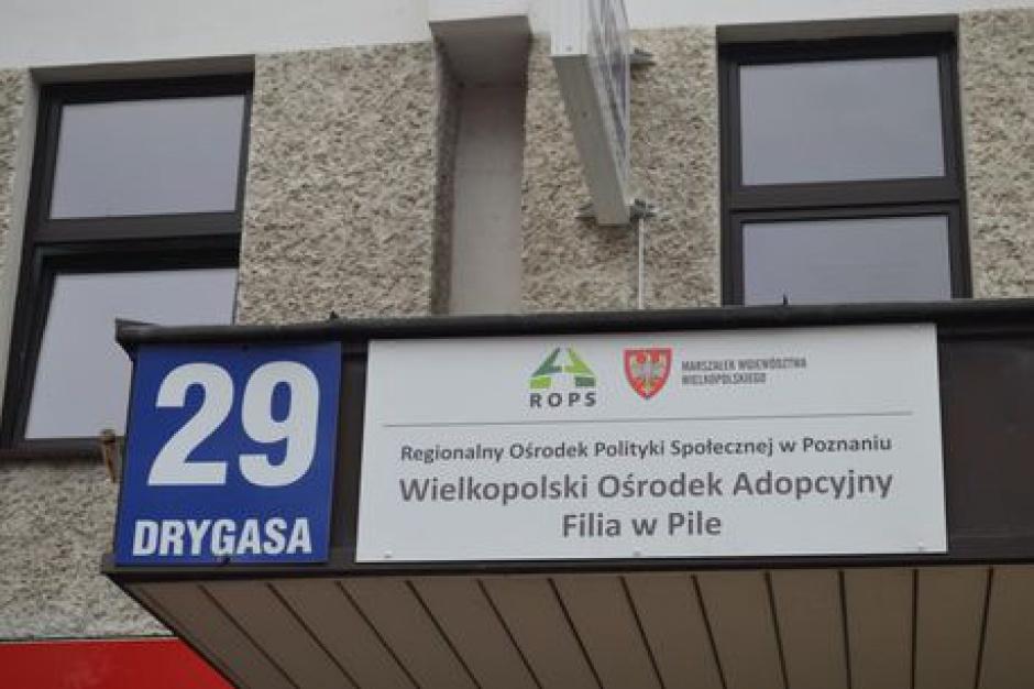 Marszałek wielkopolski: brakuje pieniędzy na ośrodki adopcyjne