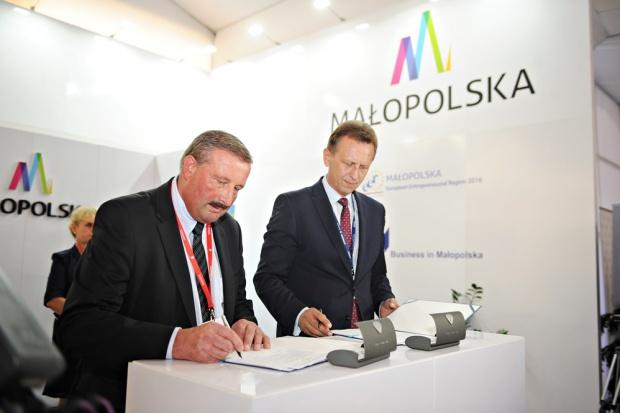 Budowa drugiego odcinka ścieżki VeloDunajec to kolejny etap rozbudowy zintegrowanej sieci ścieżek rowerowych VeloMalopolska, która do 2020 roku liczyć będzie łącznie prawie 1000 km (fot.malopolskie.pl)