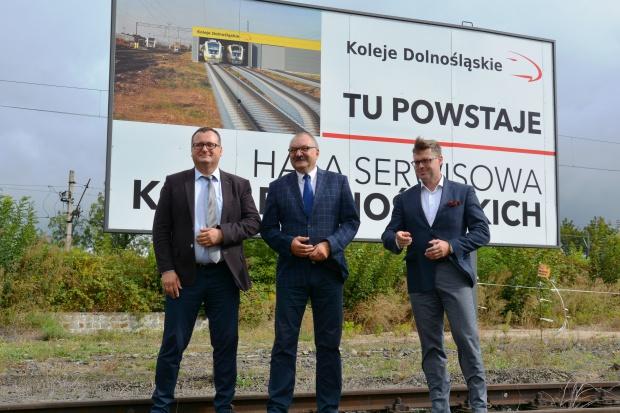 Obiekt przy ul. Pątnowskiej w Legnicy będzie kosztował według szacunków ok. 12 mln zł i zostanie sfinansowany w pełni ze środków własnych samorządowej spółki Koleje Dolnośląskie (fot.dolnoslaskie.pl)