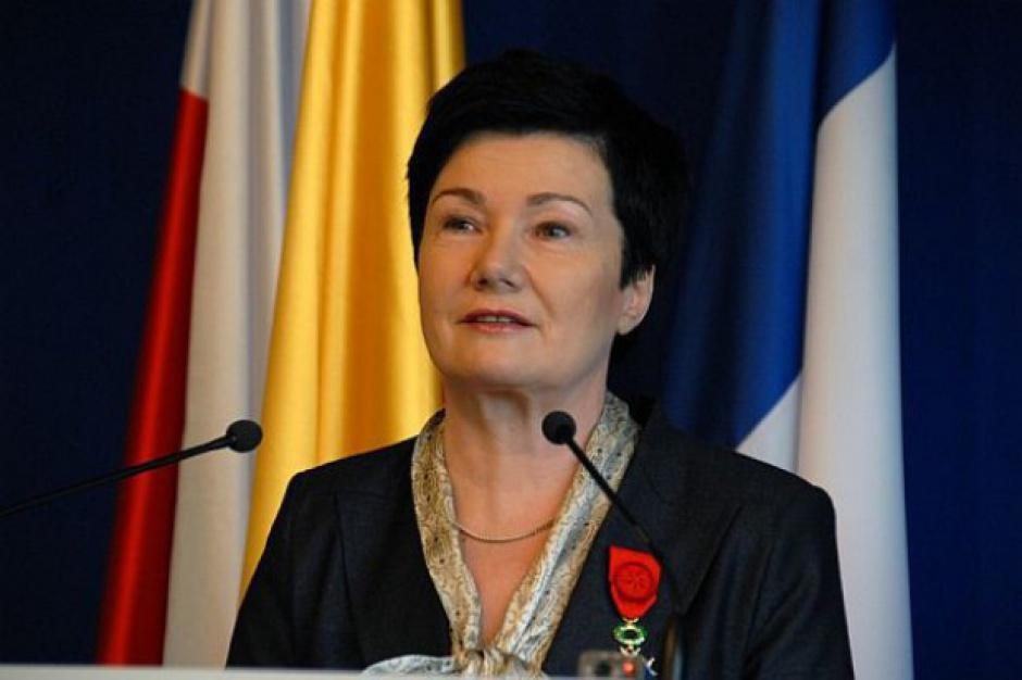 Gronkiewicz-Waltz: sąd ustanowił zakaz sprzedaży działki Chmielna 70