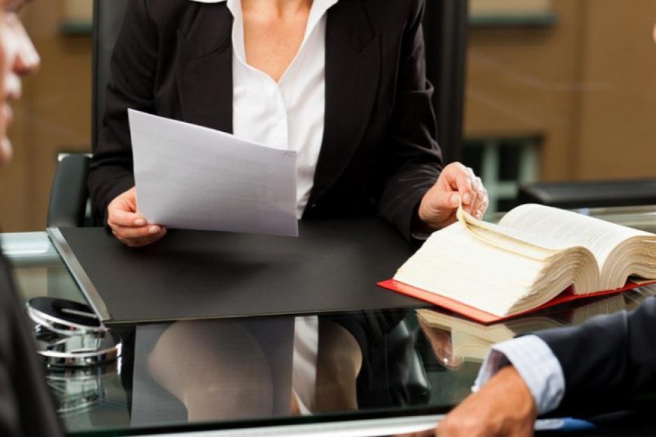 NIK: Zlecanie usług prawniczych przez urzędy