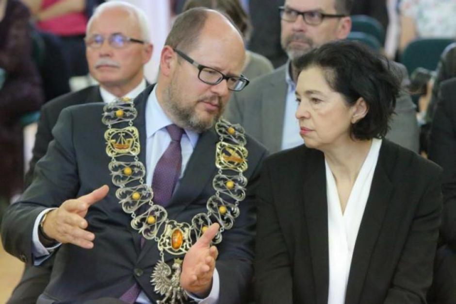 Prezydenci miast w opozycji do PiS. Wojna czy przeciąganie wyborczej liny?