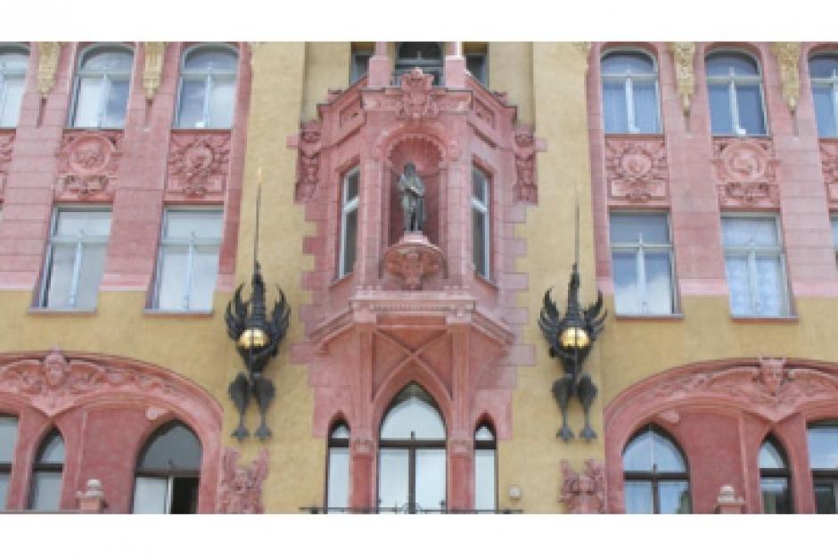 Łódź: Remontują zabytkowe kamienice, także te nie miasta