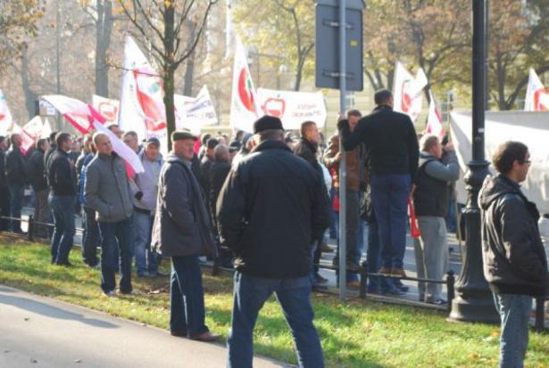 Warszawę czeka dziś protest sadowników. Znamy trasę przemarszu