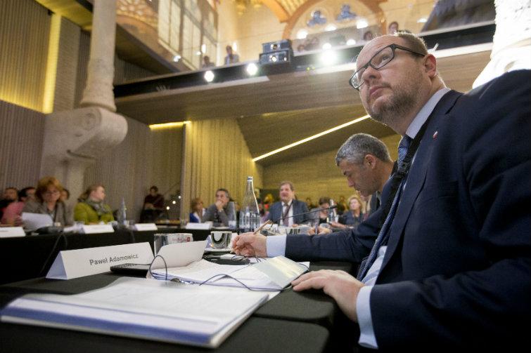 Czy musimy tworzyć kolejne, zbędne wydatki? - komentuje reformę edukacji prezydent Gdańska Paweł Adamowicz (fot. gdansk.pl)