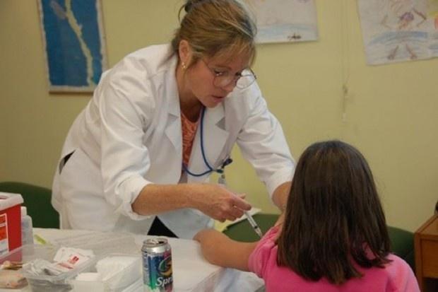 Pielęgniarki i dentyści w szkołach: Co z wyborczą obietnicą reaktywacji medycyny szkolnej?