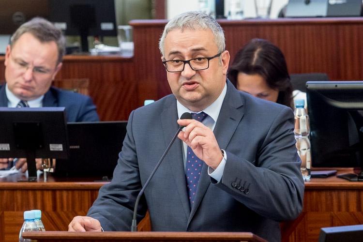 Henryk Mercik w reakcji na słowa, że Polska jest jednym z niewielu państw tolerujących takie organizacje jak RAŚ, odpowiedział, że to dorabianie RAŚ