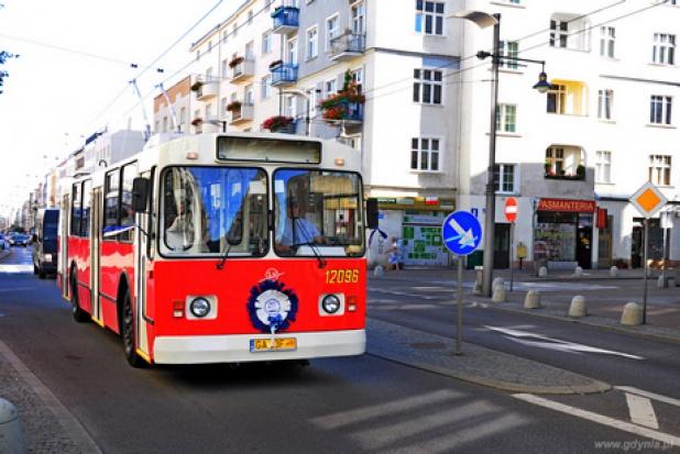 """Trolejbus """"Ziutek"""" atrakcją w Gdyni. Znów wozi pasażerów"""