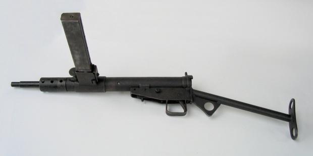 Świętokrzyskie: Weteran AK oddał przechowywaną broń do muzeum PTTK