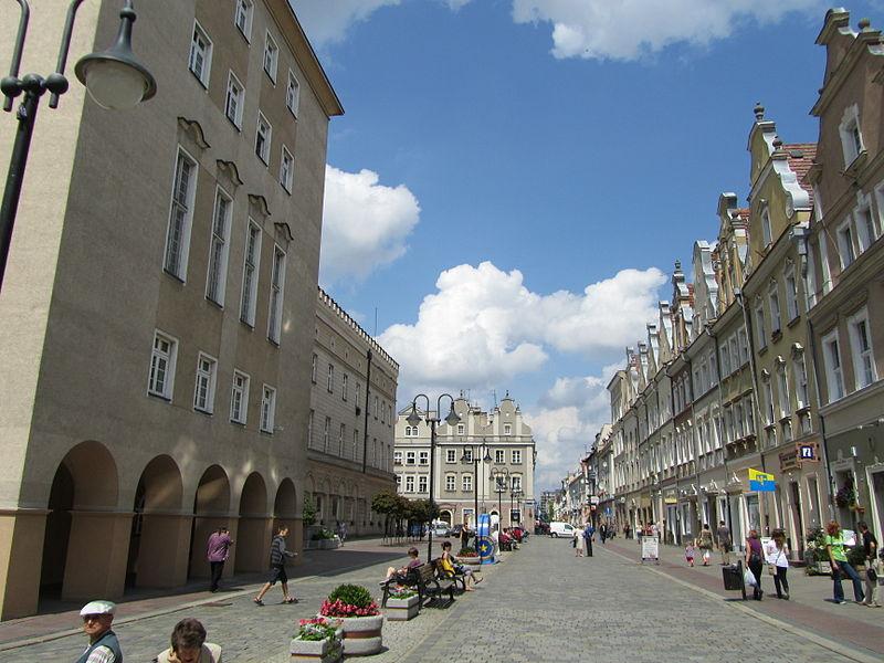 Opole zostanie powiększone o część gmin: Prószków, Dąbrowa, Komprachcice i Dobrzeń Wielki. (fot. wikipedia.org)