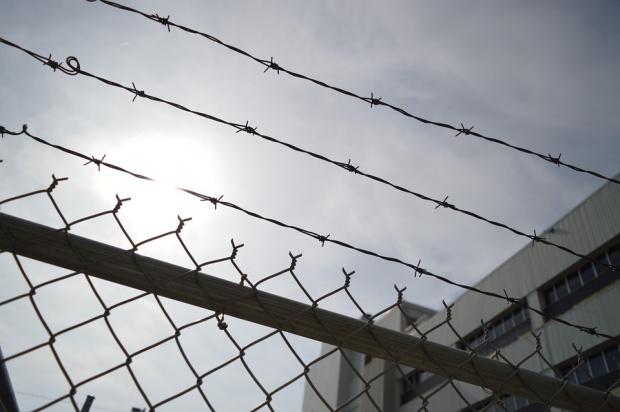 Praca więźniów za darmo nie tylko na rzecz samorządów