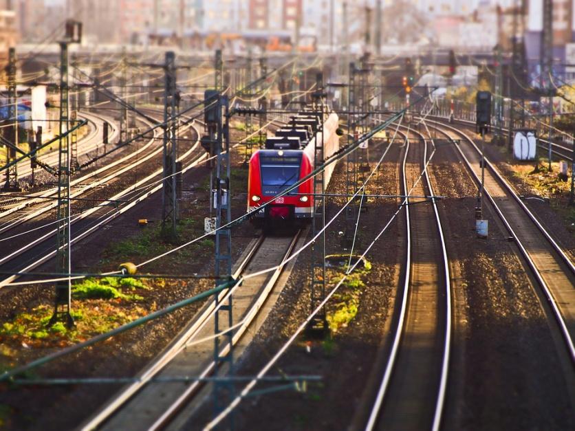 W zakresie finansowania infrastruktury kolejowej przewidziano w projekcie opracowanie wieloletniego programu (fot. pixabay.com)