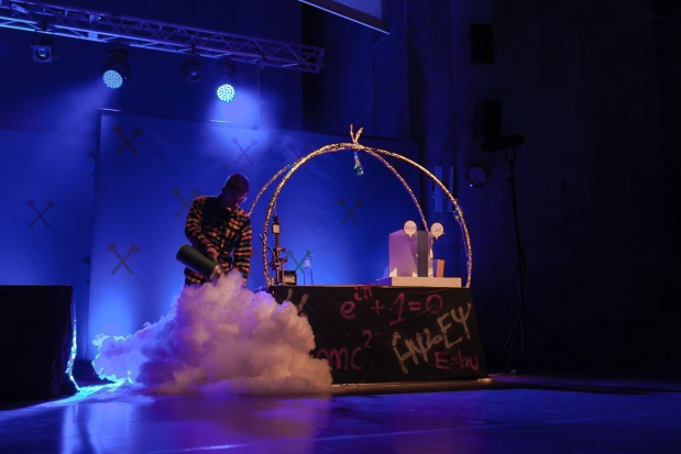 Kraków: Ponad 1 tys. osób przygotowało 10. Małopolską Noc Naukowców
