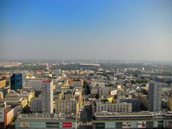 Warszawa: Ludzie inwestują w oświetlenie elektryczne i budowę oczyszczani ścieków