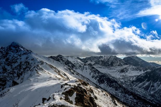 Tatry: Spadł śnieg. Pogorszyły się warunki do uprawiania turystyki