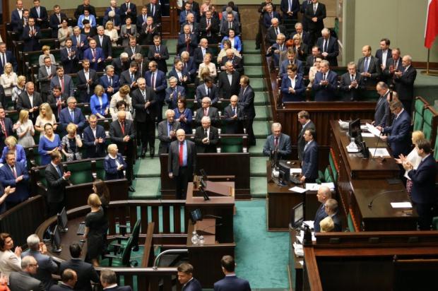 Posłowie chcą poznać skutki reformy edukacji
