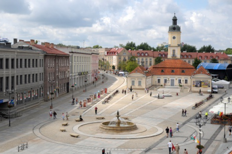 Wschodni Kongres Gospodarczy: Średnie miasta przegrywają konkurencję z Warszawą