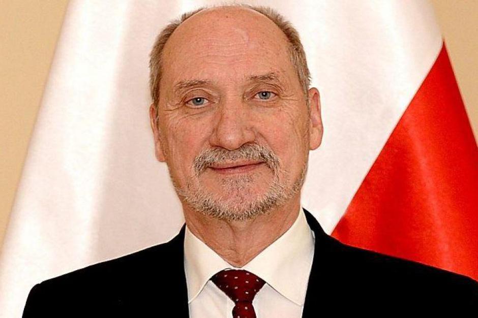 Antoni Macierewicz będzie dowódcą WOT (fot.mon.gov.pl)