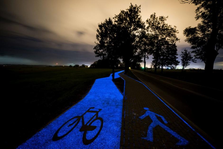 Lidzbark Warmiński: Jest pierwsza w Polsce świecąca ścieżka rowerowa