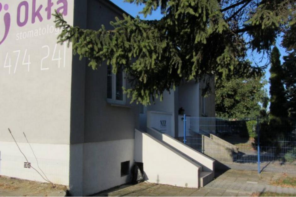 Krzesiny: Szkoła wynajęła gabinet dentystyczny dla uczniów