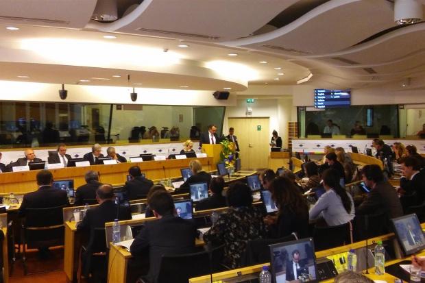 Podpisy oraz przyjazd do Brukseli tak wielu regionalnych przedstawicieli politycznych ze wszystkich państw członkowskich jest wyraźnym dowodem nadzwyczajnej wagi Polityki Regionalnej UE dla wszystkich regionów (fot.umwo.pl)