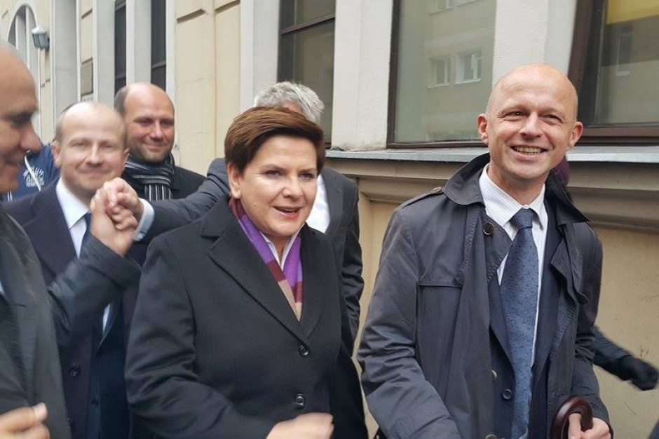 Morawiecki bierze finanse, Szałamacha odchodzi