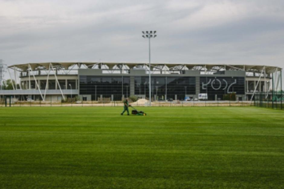 Hybrydowe boisko piłkarskie zbudowano w Łodzi