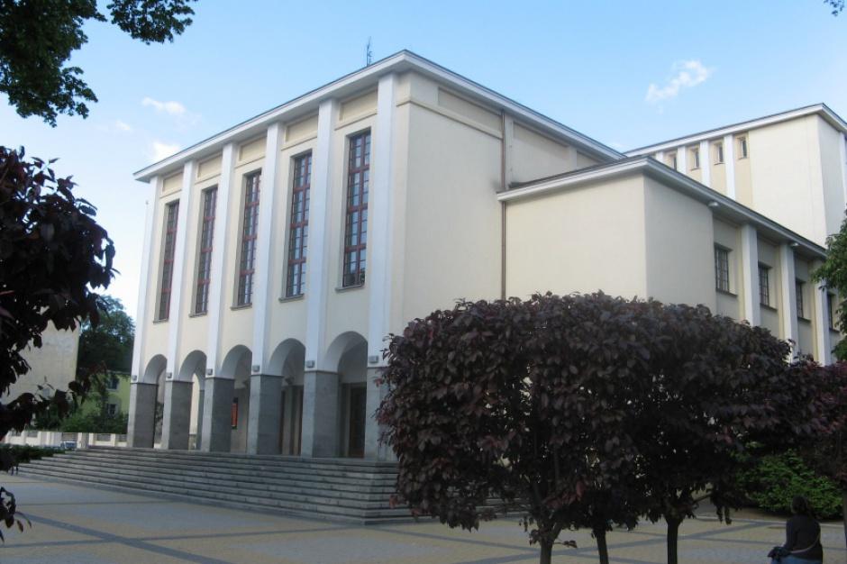 Władze Bydgoszczy ws. teatru: stanowisko marszałka województwa krzywdzące