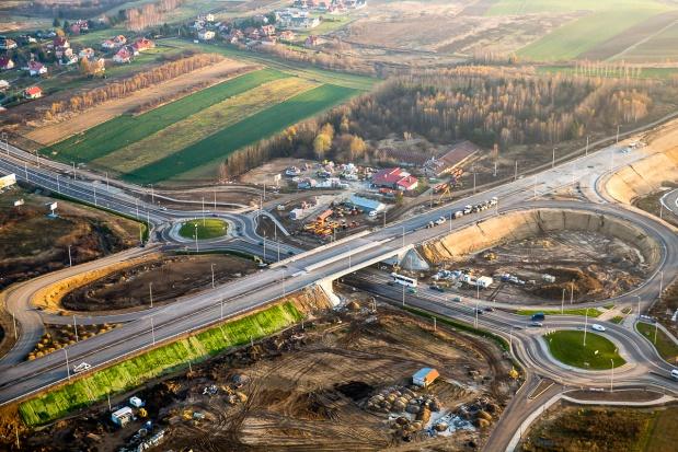 Rozbudowa dróg w Polsce: Bez nowych przetargów firmy budowlane będą zwalniać