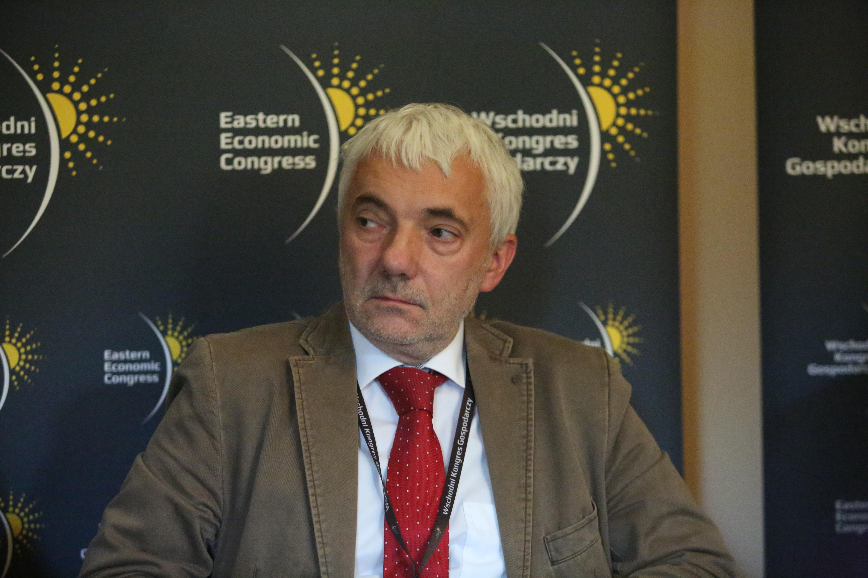 Tomasz Komornicki: Infrastrukturę drogową budujemy dla kilku celów, które na siebie się nakładają. Fot. PTWP