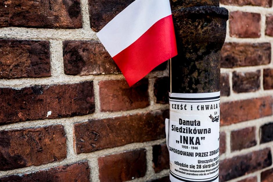 Gdańsk. Dwa dochodzenia ws. incydentu na pogrzebie Inki i Zagończyka