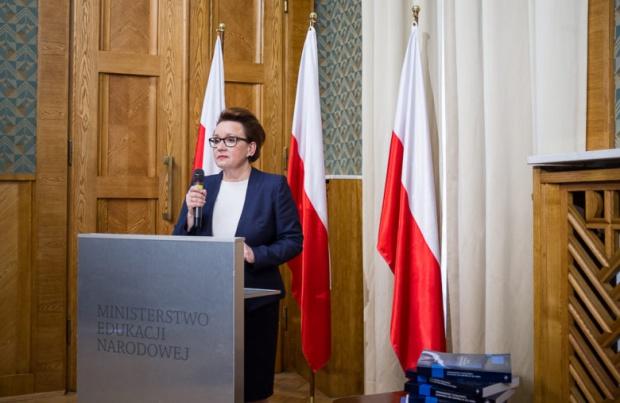 Reforma oświaty, Zalewska: Samorządy nie będą mieć kłopotów finansowych. Będzie subwencja