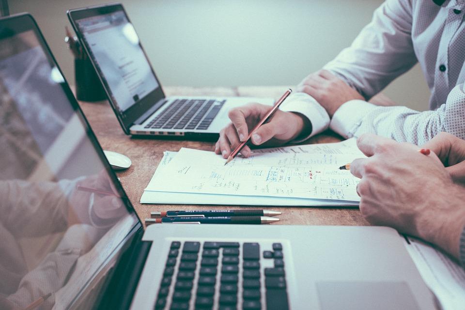 W ramach projektu zakupiony zostanie sprzęt komputerowy, oprogramowanie, wyposażenie serwerowni, usługi techniczne i doradcze. (fot. pixabay)
