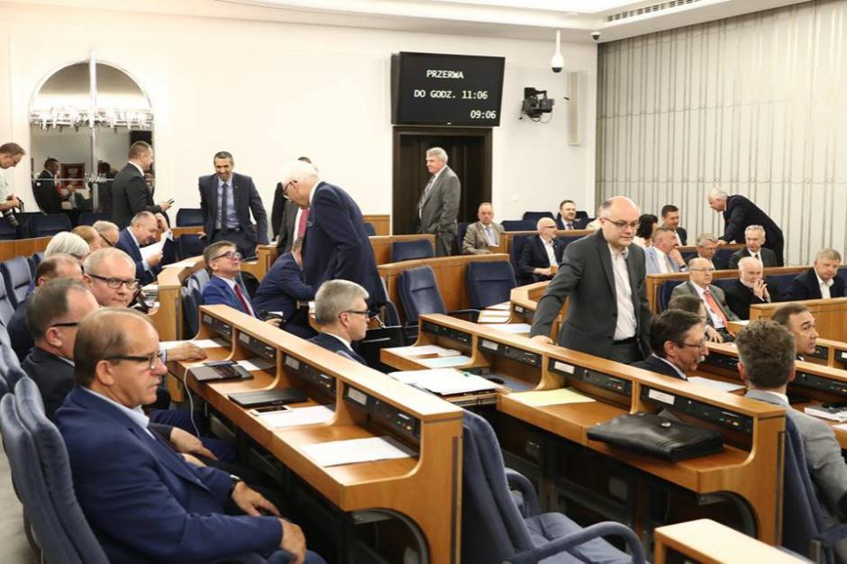 Senatorowie chcą ujednolicenia koncesji in-house