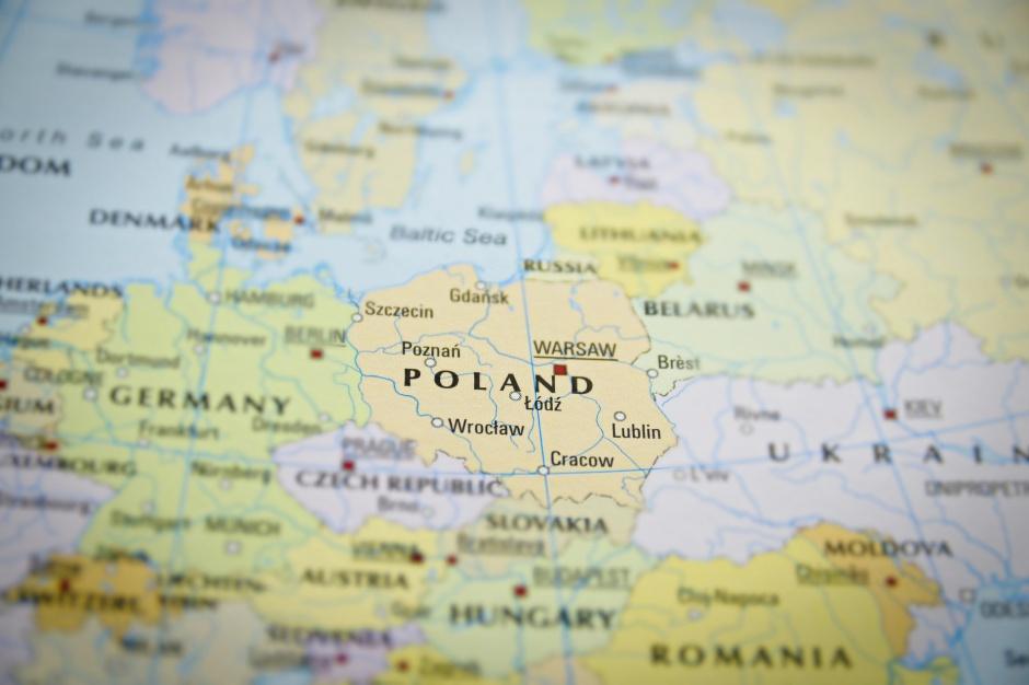 Palenie śmieci w domach, emisja spalin: Polskie miasta jednymi z najbardziej zanieczyszczonych w Europie