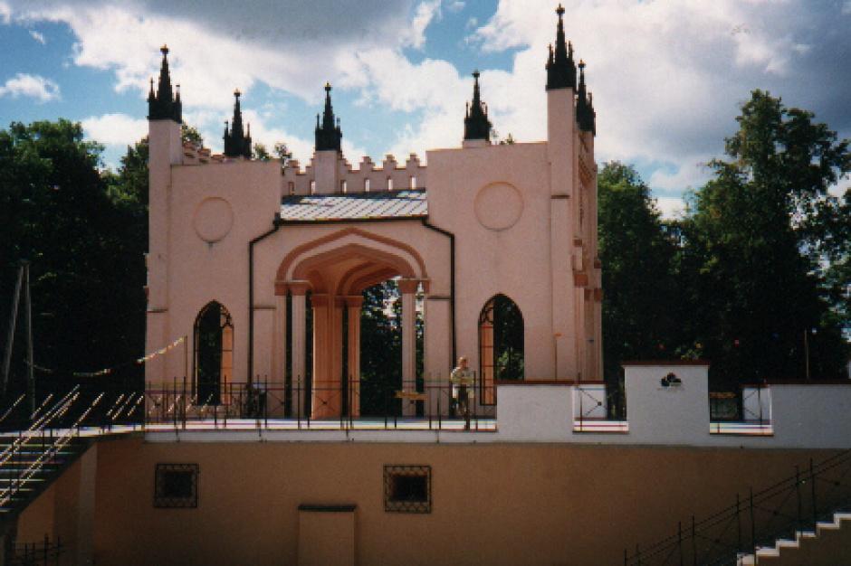 Podlaskie: Są chętni na ruiny pałacu Paca w Dowspudzie