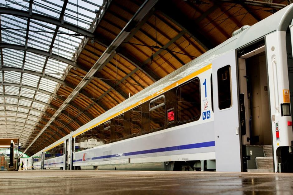 Pociągi: PKP Intercity zainwestują miliardy w tabor i zaplecze